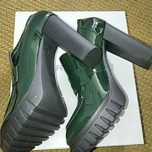 Charles David - Marly (Dark Green Patent Leather)